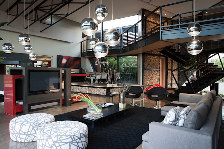House Tsi :  Living room by Nico Van Der Meulen Architects