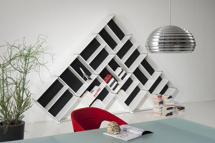 Sala de estar  por Piarotto.com -  Mobilie snc