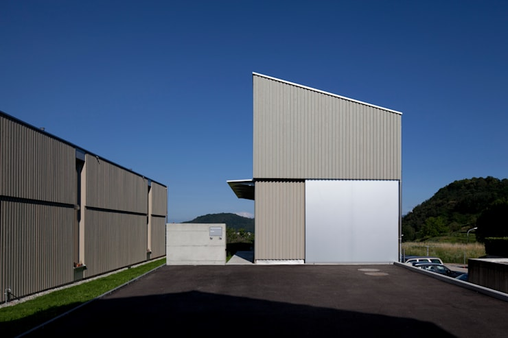 Casas de estilo  por Cattaneo Brindelli architetti associati, Minimalista