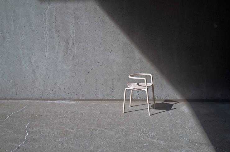 chaise Funambule: Cuisine de style  par Loïc Bard