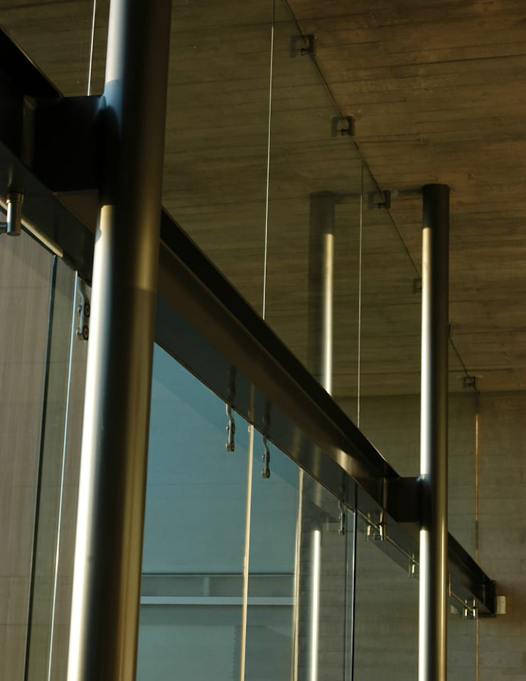 Casa Nogales:  de estilo  por Taller5 Arquitectos