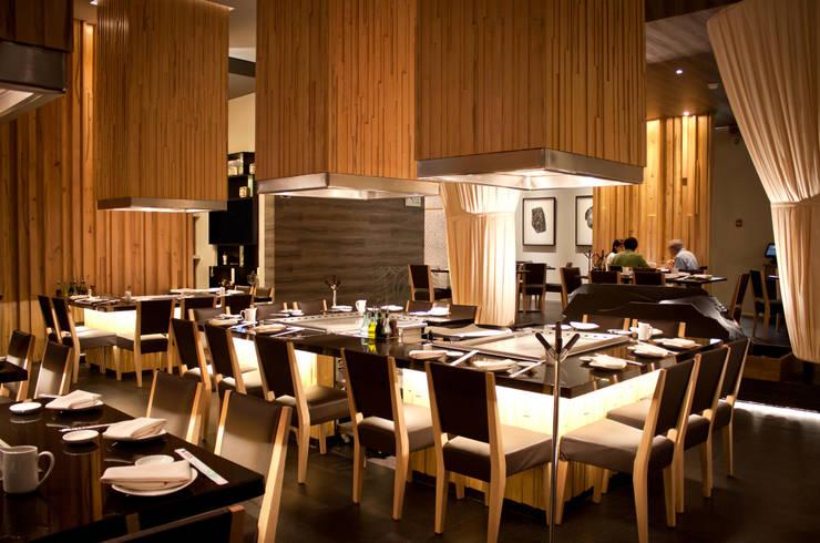 SATO Restaurante:  de estilo  por Taller5 Arquitectos