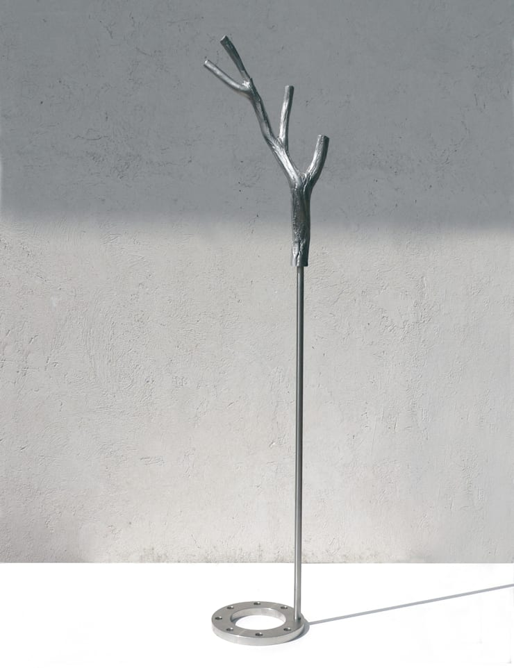 DAPHNE, appendiabiti: Ingresso, Corridoio & Scale in stile  di Insilvis Divergent Thinking