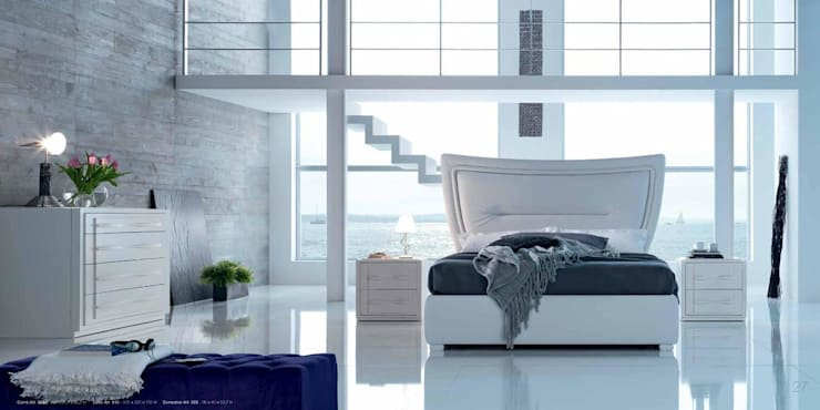Passione bed:  Bedroom by Royz Furniture