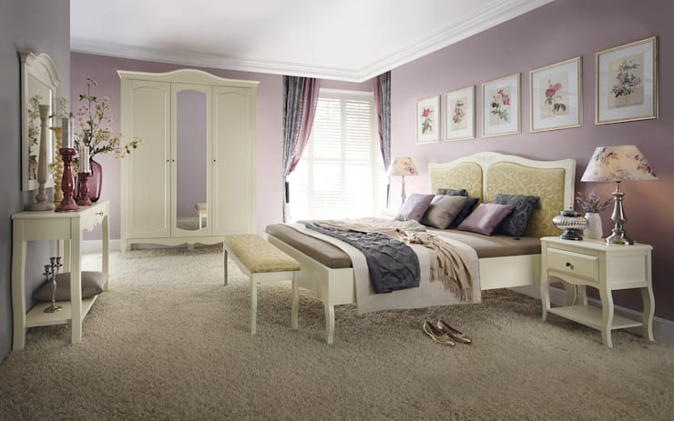 Anabella bed:  Bedroom by Royz Furniture