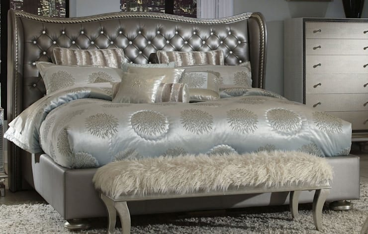 Queen Upholstered Bed metallic:  Bedroom by Royz Furniture