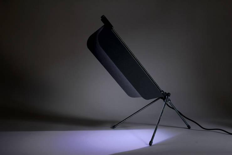 Lampe Filt - Noir: Maison de style  par Jean-Baptiste Ricatte Designer