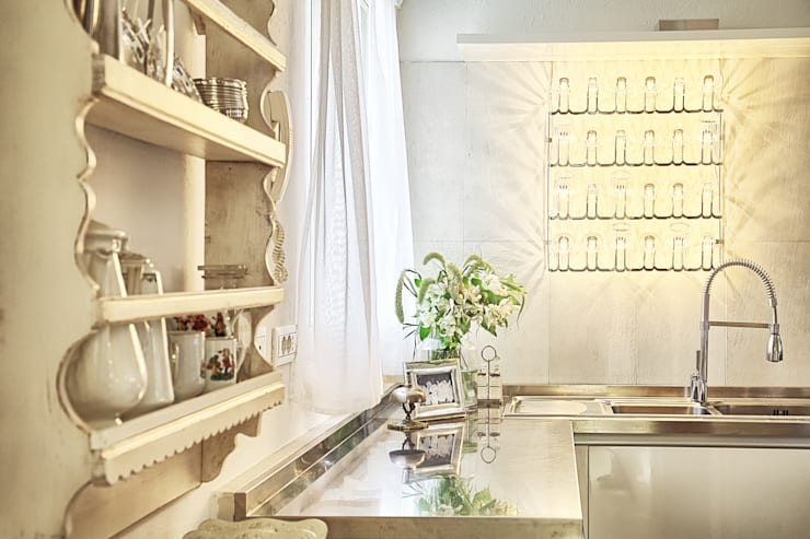 Kitchen by STUDIO PAOLA FAVRETTO SAGL - INTERIOR DESIGNER