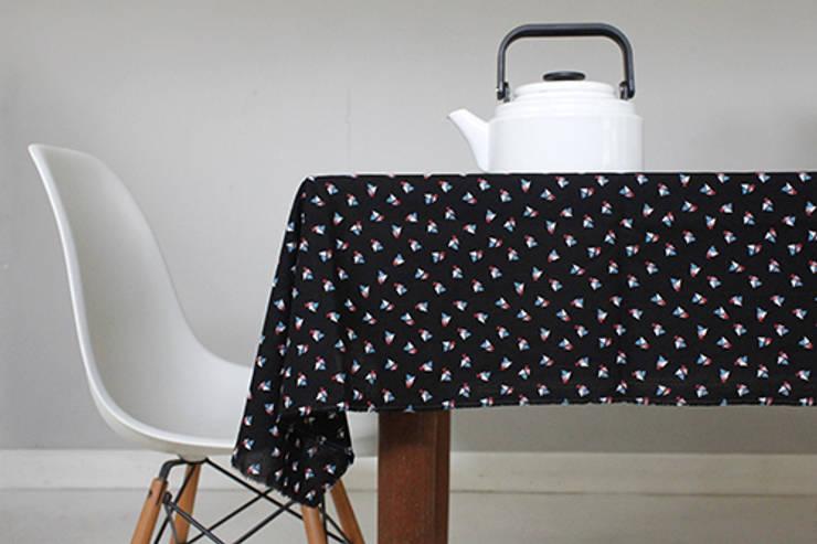 Tissu Cachette: Maison de style  par Fifi Mandirac