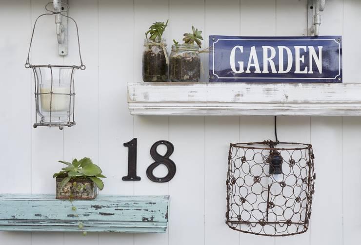 Jardines de estilo  por VILLATTE - La Maison