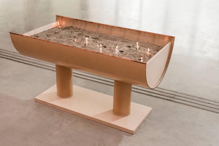 紙のカテドラル: 坂茂建築設計 (Shigeru Ban Architects)が手掛けたです。