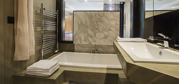 Appartement Paris 11: Maisons de style  par RICCARDO HAIAT