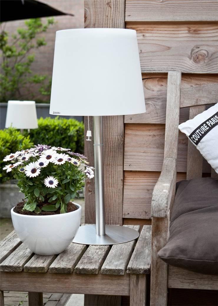 Lámpara Monroe nº 2: Jardín de estilo  de Gacoli
