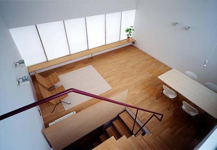 藤久保の家: 吉田豊建築設計事務所 YUTAKA YOSHIDA ARCHITECT & ASSOCIATESが手掛けたリビングです。