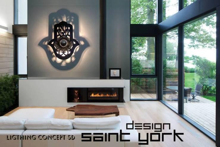 LUMINAIRE DESIGN: Salon de style  par SAINT YORK DESIGN