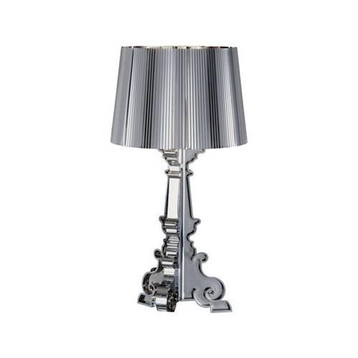 LAMPE BOURGIE KARTELL: Maison de style  par So Chic So Design