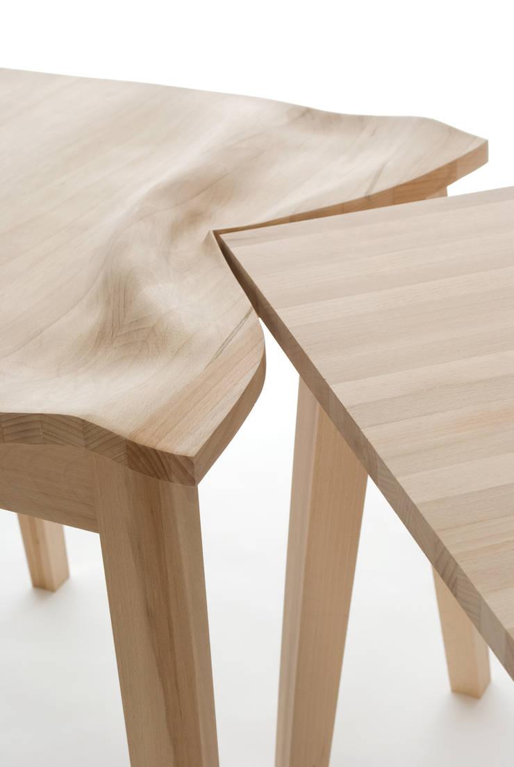 Contorsions, tables choquées: Art de style  par Suzy Lelièvre