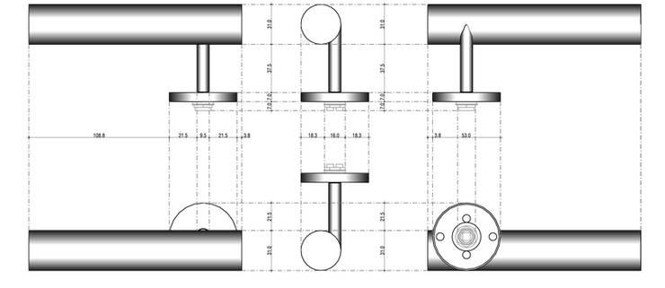 Béquille PLUS: Fenêtres & Portes de style  par ECDM Architectes