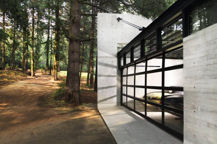 Projekty,  Domowe biuro i gabinet zaprojektowane przez grupoarquitectura