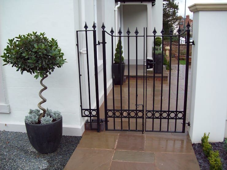Wrought Iron Metal Garden Gate:  Garden by Unique Landscapes,