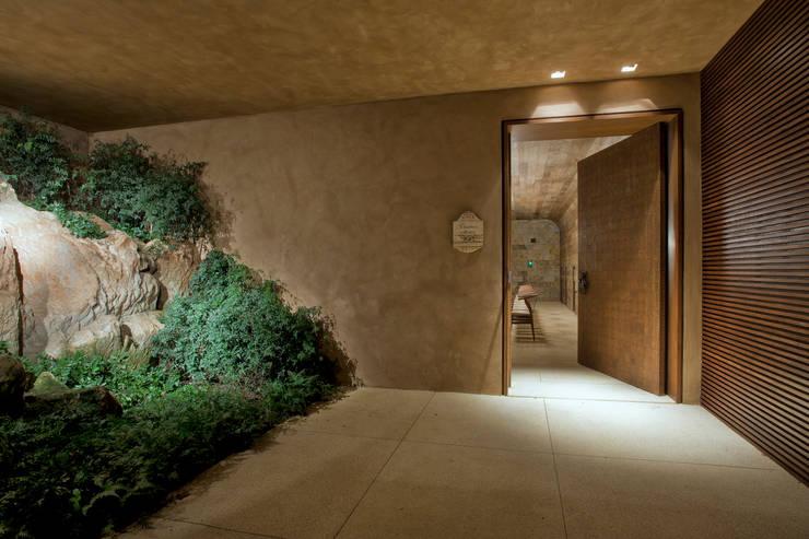por Eduarda Corrêa Arquitetura & Interiores