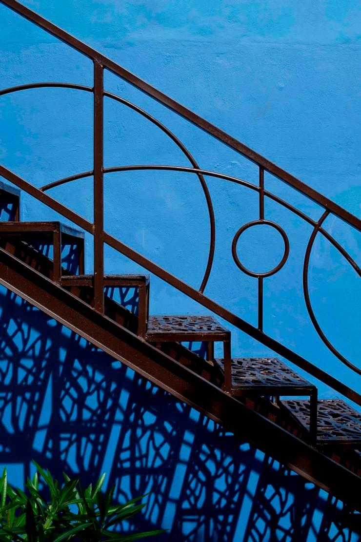 Escaleras: Pasillos y recibidores de estilo  por Taller Estilo Arquitectura