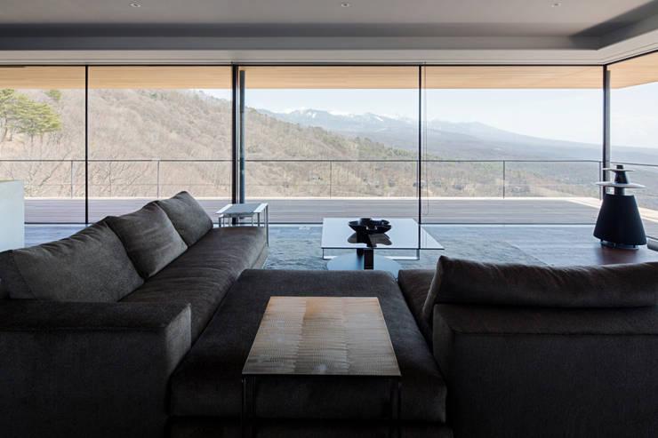 リビング: 城戸崎建築研究室 / KIDOSAKI ARCHITECTS STUDIOが手掛けた家です。,モダン