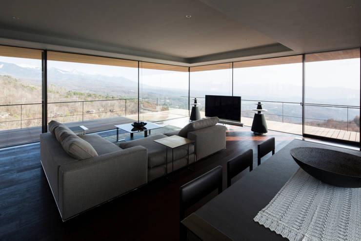 リビング・ダイニング: 城戸崎建築研究室 / KIDOSAKI ARCHITECTS STUDIOが手掛けた家です。,モダン