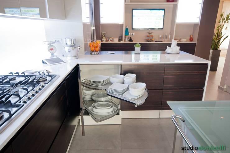 Casa Carilla - Cucina: Cucina in stile  di studiodonizelli