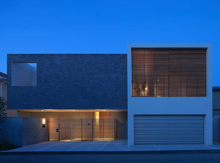 Houses by Atelier Square, Modern