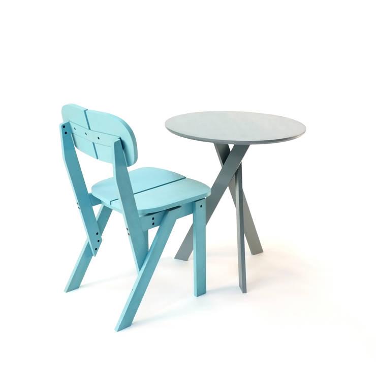 Triple Table: Salle à manger de style  par Martin Lévêque