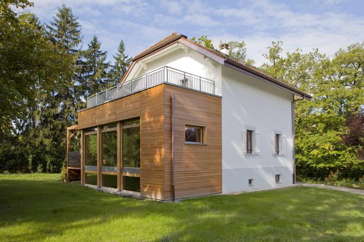 Maison individelle HPE à Chambesy Genève:  de style  par ATBA