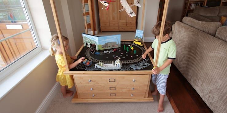 Construction Centre/ Activity Table and Toy Organiser:  Bedroom by Woodquail