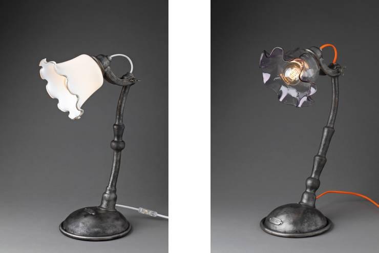 """Lampes à poser """" Beta"""": Maison de style  par Olivier Le Clerc"""