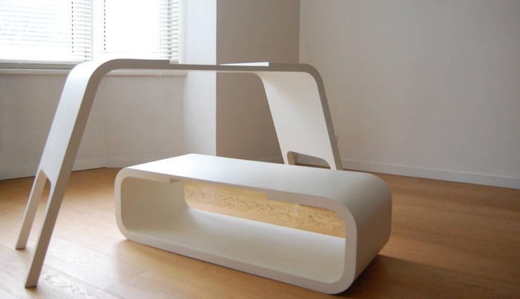 Console Cruz: Salle multimédia de style  par :(mala leche Design)