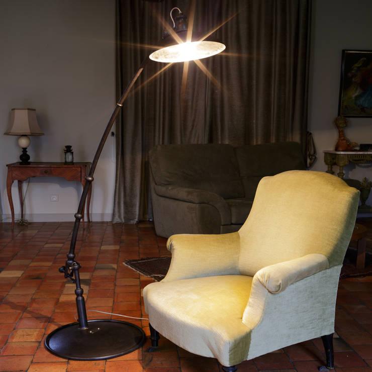 """Lmapadaire """" delta """": Maison de style  par Olivier Le Clerc"""