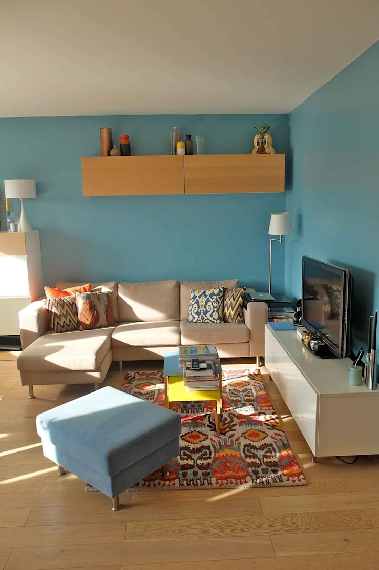 Appartement contemporain – 75010: Salon de style  par Espaces à Rêver
