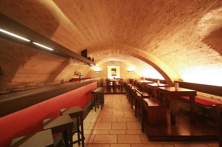Bares y Clubs de estilo  por francesco marella architetto