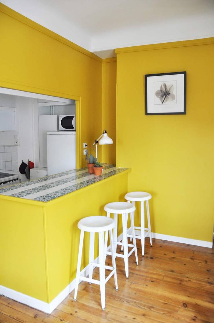 Appartement de vacances – Biarritz: Cuisine de style  par Espaces à Rêver