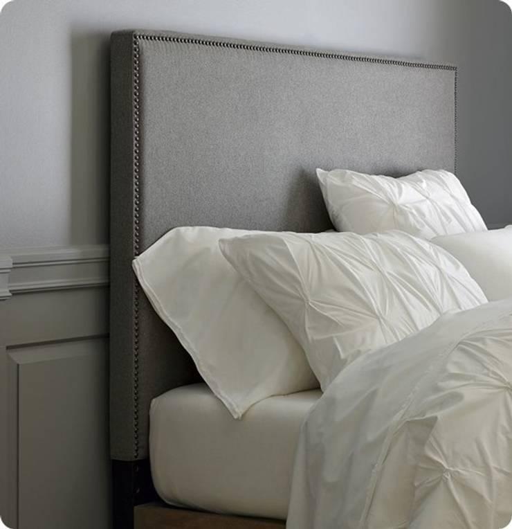 DESDEDIEGO - FLORENCIA TACHUELAS: Dormitorios de estilo  de DESDEDIEGO DECORACIÓN