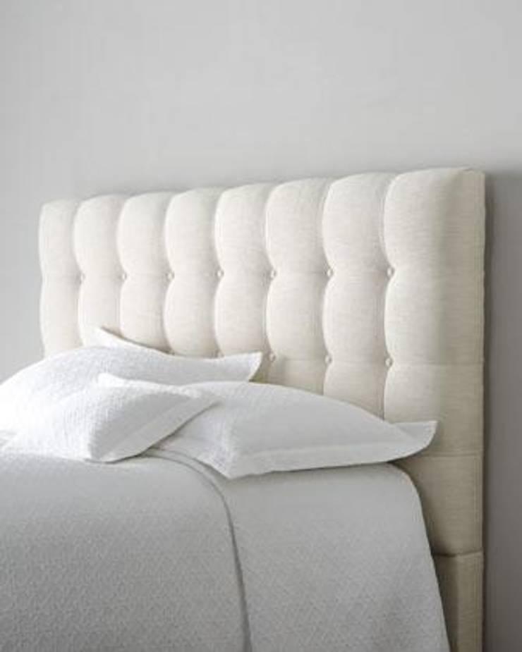DESDEDIEGO - ESCORIAL BOTONES: Dormitorios de estilo  de DESDEDIEGO DECORACIÓN