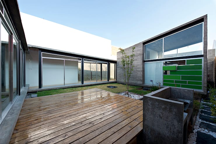 casa DAUZ: Jardines de estilo moderno por NonWarp