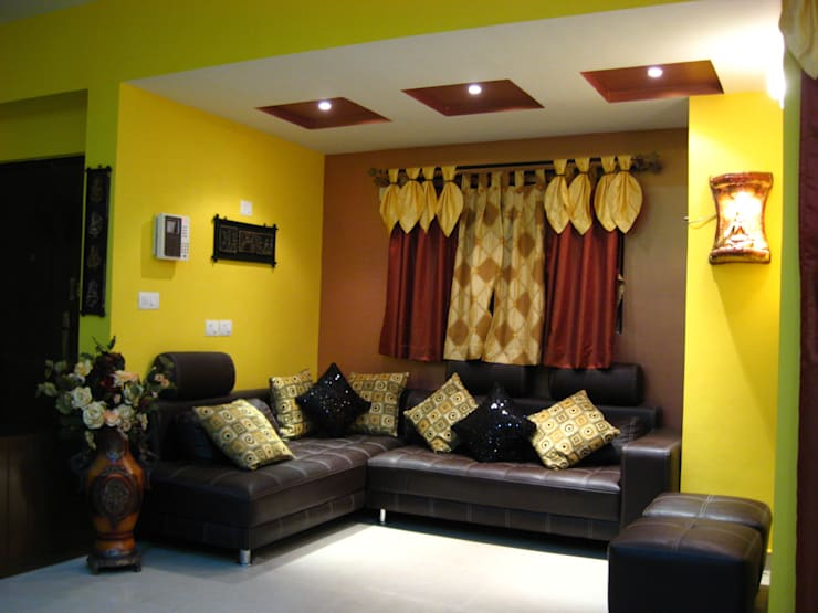 Living Room Interior:  Living room by SUMAN CREATION