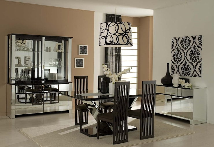 Dining Room:  Dining room by Neeras Design Studio