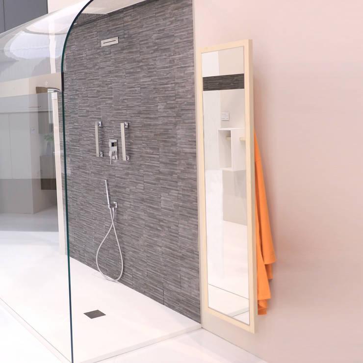 High mirror for Bath Table:  in stile  di krayms A&D - Fa&Fra, Minimalista