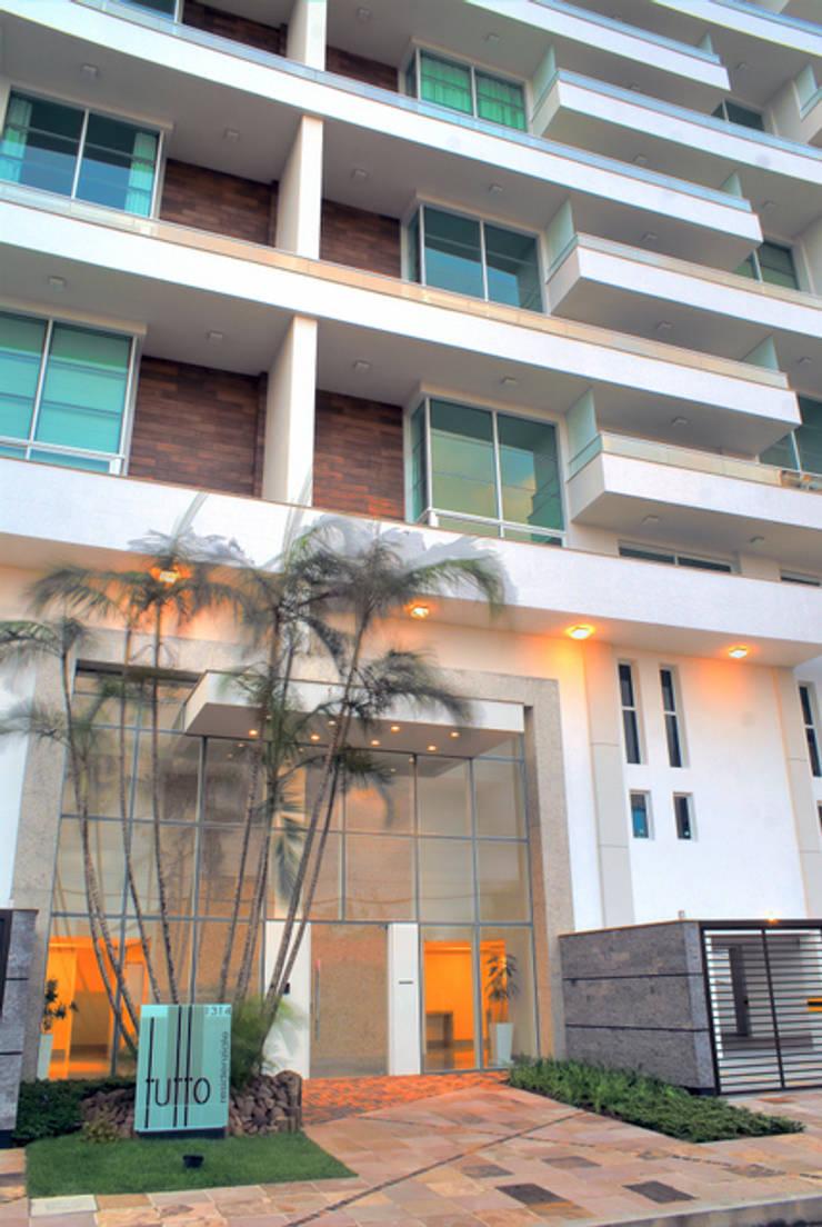 Edifício Tutto Residenziale por Alberto Torres + Audrey Bello Ramos Moderno