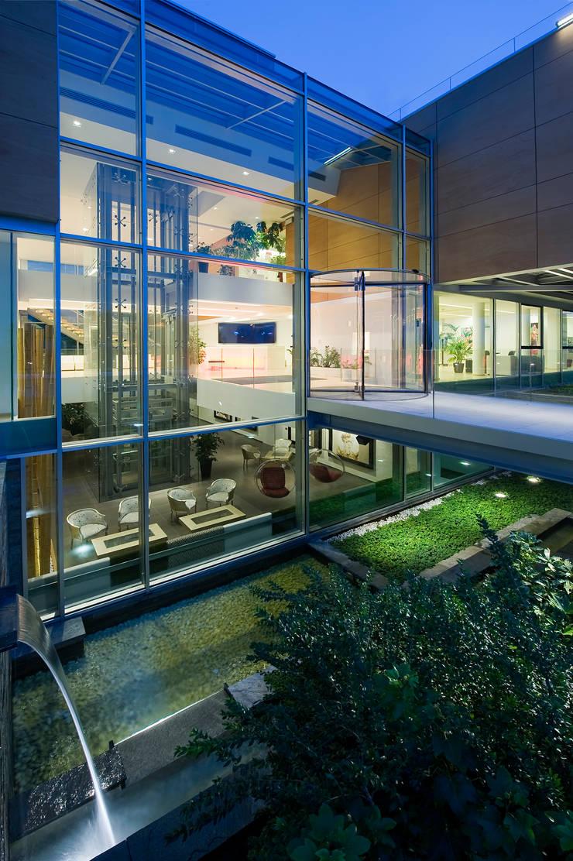 RAINBOW Imagination factory: Giardino in stile  di Studio Bianchi Architettura