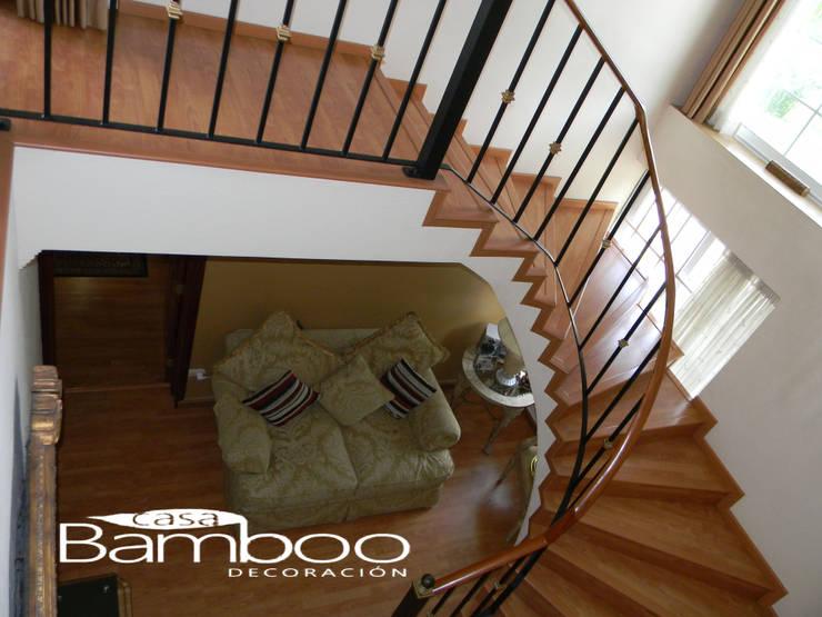 Instalacion de Dulea Laminada y Persianas: Pasillos y recibidores de estilo  por Casa Bamboo Decoracion