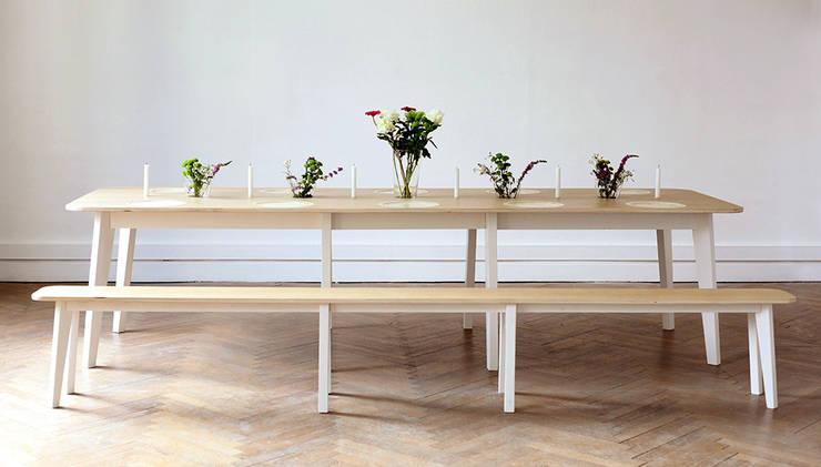 Till Bords: Salle à manger de style de style Scandinave par Feryel Mokni