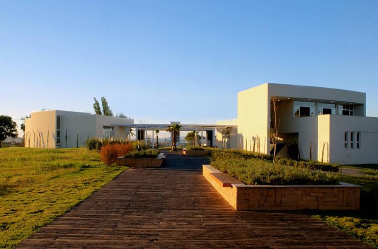 Condomínio Villagio São José:   por Alberto Torres + Audrey Bello Ramos